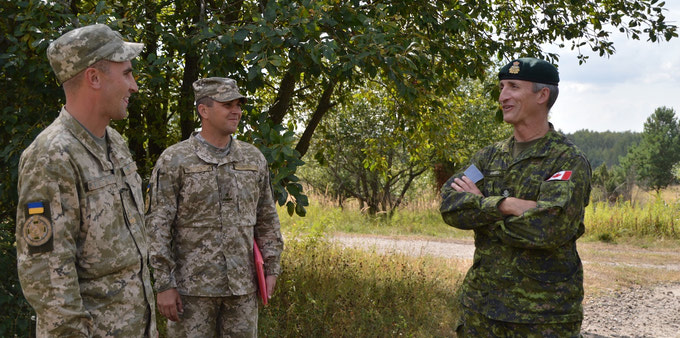 {3rd Canadian Division's Command Team visits Operation UNIFIER}